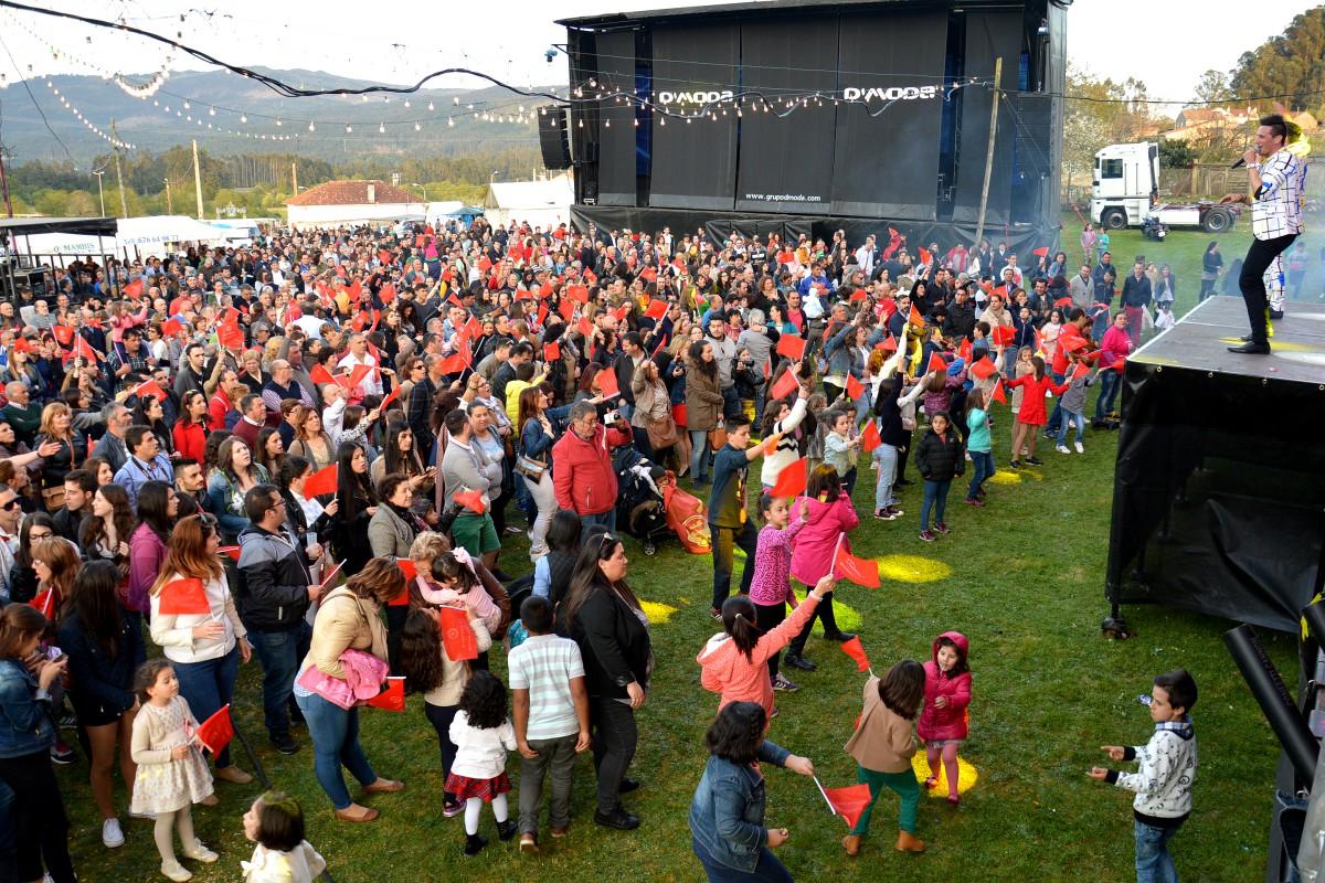 El éxito del festival 'Música por Alimentos' de Curro multiplica la solidaridad