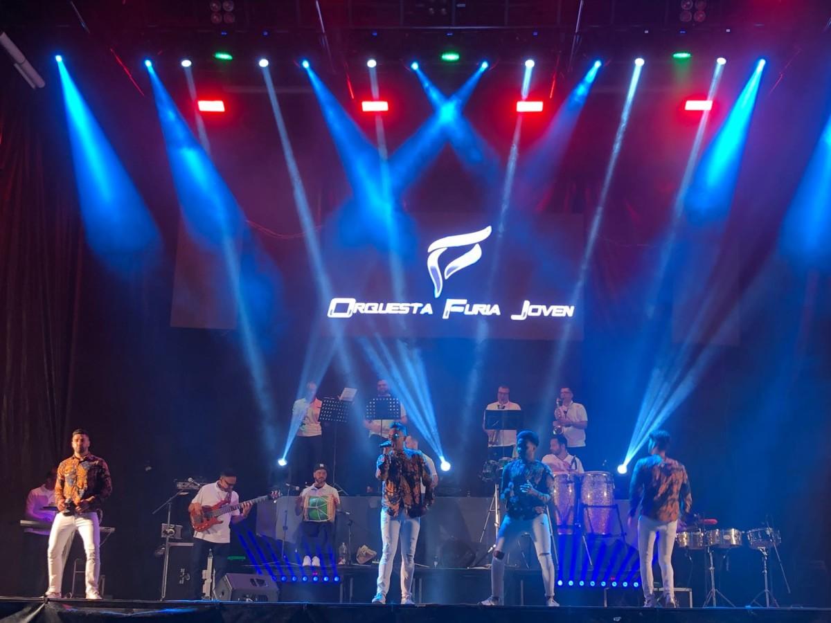 Furia Joven sorpende con la calidad de su música y espectáculo