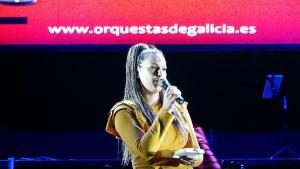 Genma Lareo, compoñente máis popular, recollendo o premio de Orquestas de Galicia DSC02294