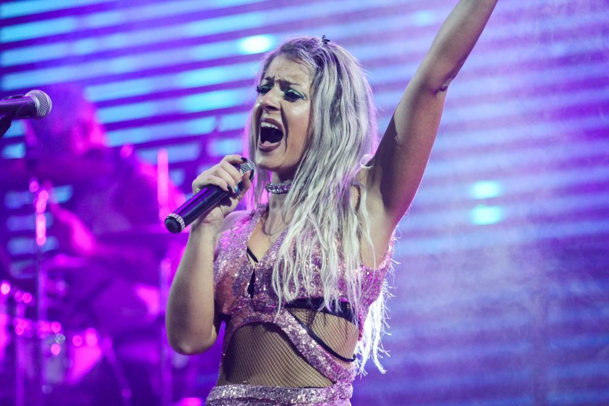 """Mónia, nueva voz de Marbella: """"Me entregaré en cuerpo y alma al público"""""""